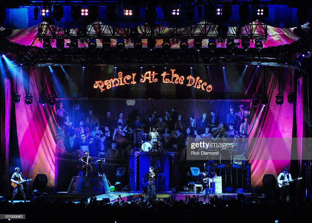 panic at the disco in concert november 9 2006 getty images. Black Bedroom Furniture Sets. Home Design Ideas