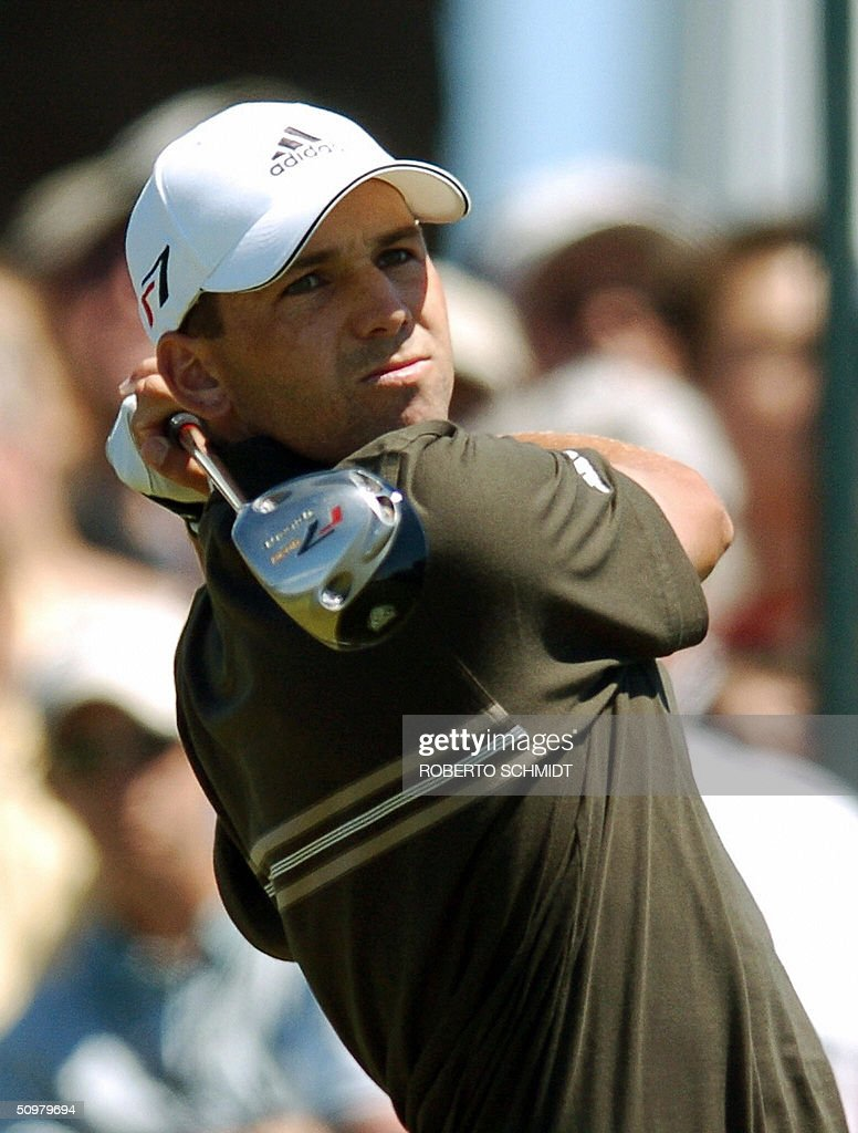 panish golfer Sergio Garcia tees off on the 4th hole during the final round of play at the 2004 US Open Championship at Shinnecock Hills Golf Club in...