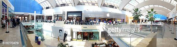 Crowds line up on both sides of the mall to purchase the new Apple iPhone 6 and iPhone 6 Plus at Westfield Topanga mall in Canoga Park California on...