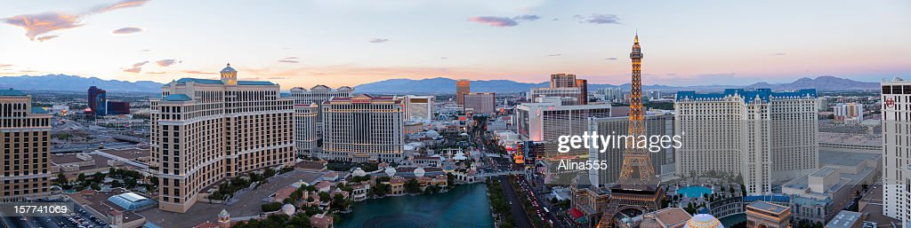 Panoramic high angle view of Las Vegas Strip at sunset : Stock Photo