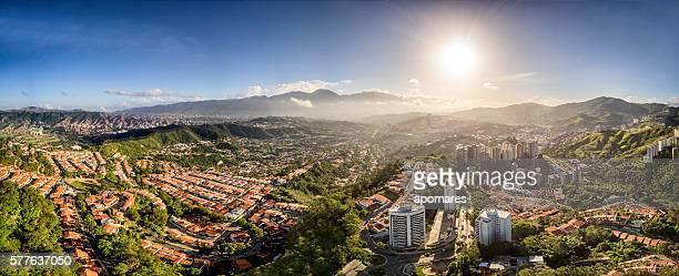 Imagen panorámica de Caracas Vista aérea de la ciudad con El Ávila