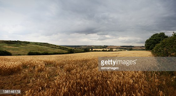 Panoramic lanscape - Stormy sky on the Lincolnshire Wolds