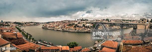Imagen panorámica de Porto, Portugal por la mañana