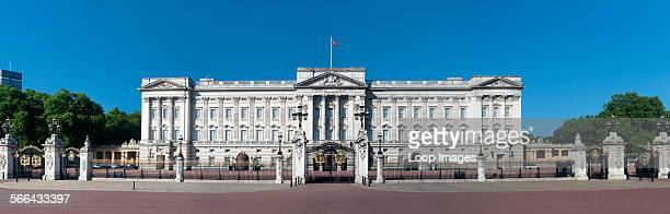 Panoramic view of Buckingham Palace in London