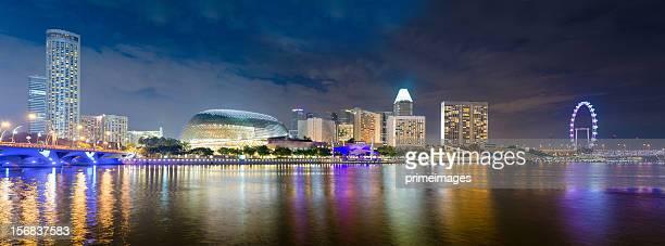 パノラマの眺めがシンガポールの夕暮れ