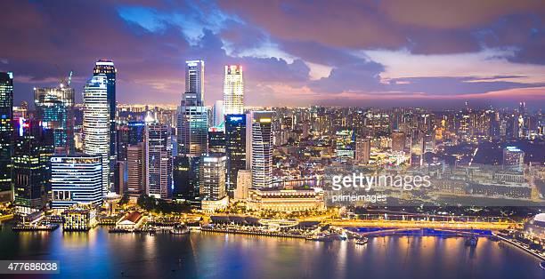 Vue panoramique de Singapour au crépuscule