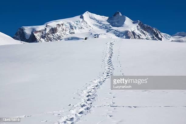 Vista panorámica de los Alpes a las montañas