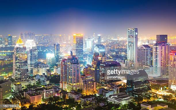 Panoramablick auf die urbane Umgebung in Asien