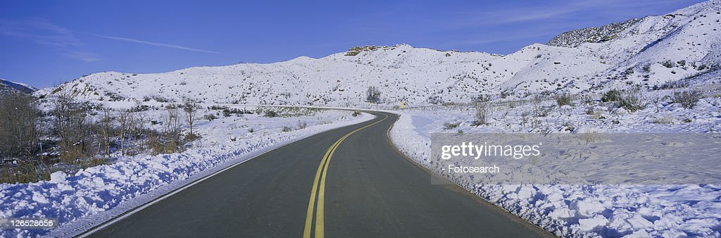 Panoramic view of winter snow in the Los Padres National Forest Wilderness area : Stock Photo