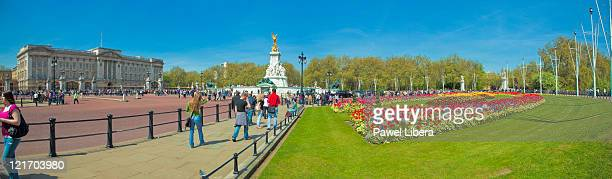 Panoramic View on Buckingham Palace and Victoria Memorial, London, UK