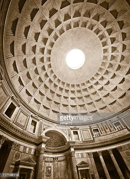 Pantheon interno a Roma