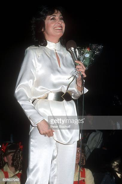 Paola Felix ZDFShow 'SuperHitparade 1981' am in der Philippshalle in Düsseldorf Deutschland