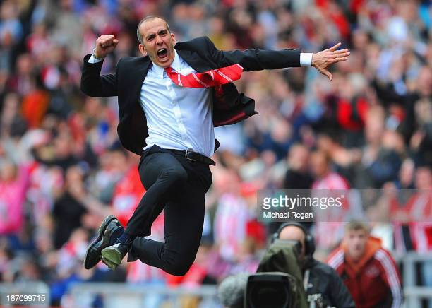 Paolo Di Canio manager of Sunderland celebrates victory after the Barclays Premier League match between Sunderland and Everton at the Stadium of...
