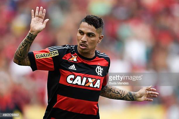Paolo Guerrero of Flamengo gestures during a match between Flamengo and Vasco as part of Brasileirao Series A 2015 at Maracana Stadium on September...