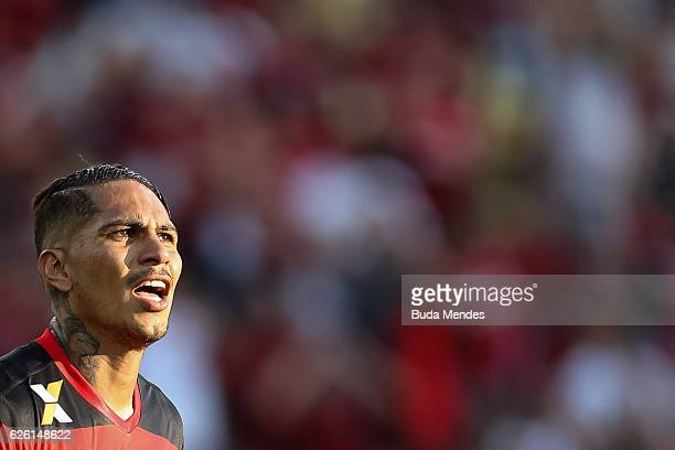 Paolo Guerrero of Flamengo reacts during a match between Flamengo and Santos as part of Brasileirao Series A 2016 at Maracana stadium on November 27...