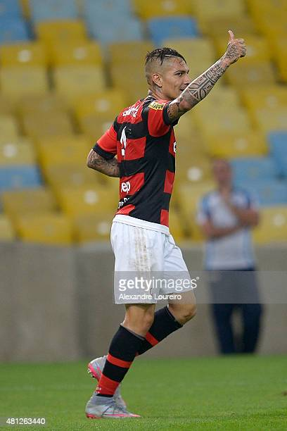 Paolo Guerrero of Flamengo reacts during the match between Flamengo and Gremio as part of Brasileirao Series A 2015 at Maracana stadium on July 18...