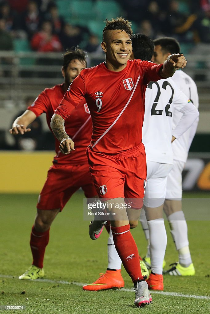 Paolo Guerrero of Peru celebrates after scoring the opening goal during the 2015 Copa America Chile quarter final match between Peru and Bolivia at German Becker Stadium on June 25, 2015 in Temuco, Chile.