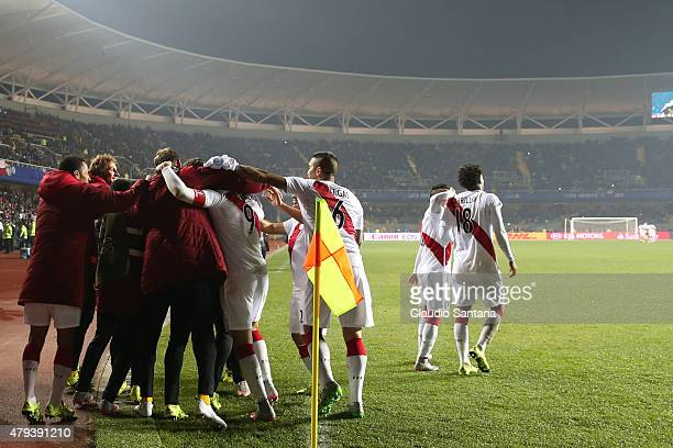Paolo Guerrero of Peru celebrates with teammates after scoring the second goal of his team during the 2015 Copa America Chile Third Place Playoff...