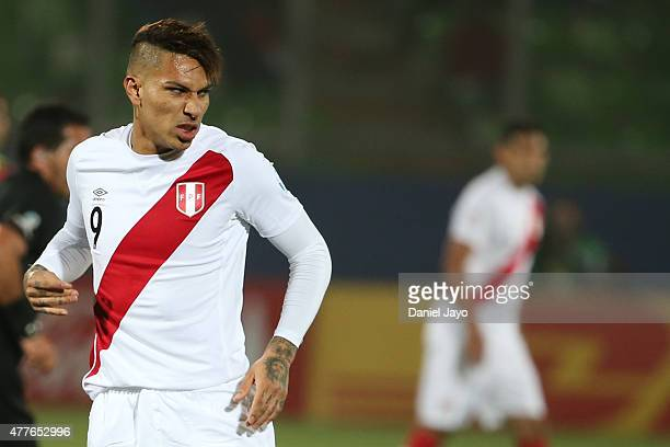 Paolo Guerrero of Peru gestures during the 2015 Copa America Chile Group C match between Peru and Venezuela at Elías Figueroa Brander Stadium on June...