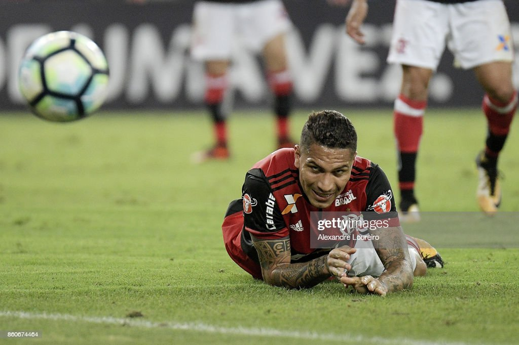 Paolo Guerrero of Flamengo reacts during the match between Flamengo and Fluminense as part of Brasileirao Series A 2017 at Maracana Stadium on October 12, 2017 in Rio de Janeiro, Brazil.