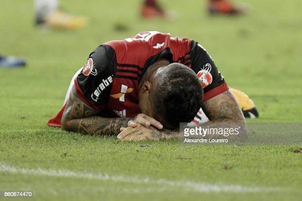 Paolo Guerrero of Flamengo reacts during the match between Flamengo and Fluminense as part of Brasileirao Series A 2017 at Maracana Stadium on...