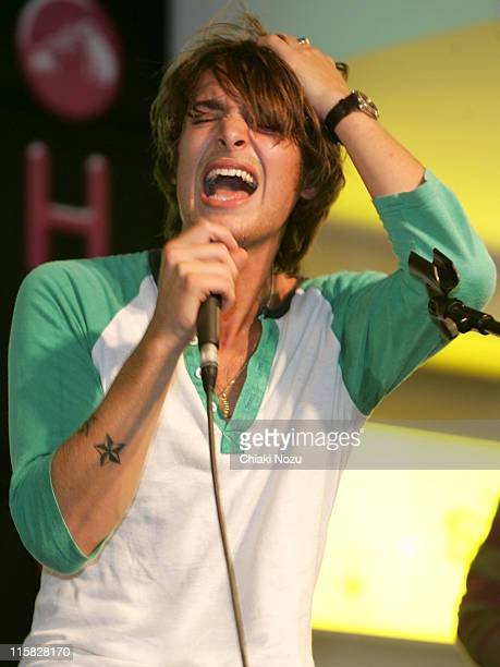 Paolo Nutini during Paolo Nutini InStore Performance and Album Signing September 26 2006 at HMV in London Great Britain