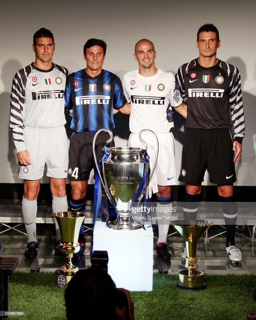 ¿Cuánto mide Javier Zanetti? - Altura - Real height Paolo-orlandoni-javier-zanetti-esteban-cambiasso-luca-castellazzi-picture-id102897980