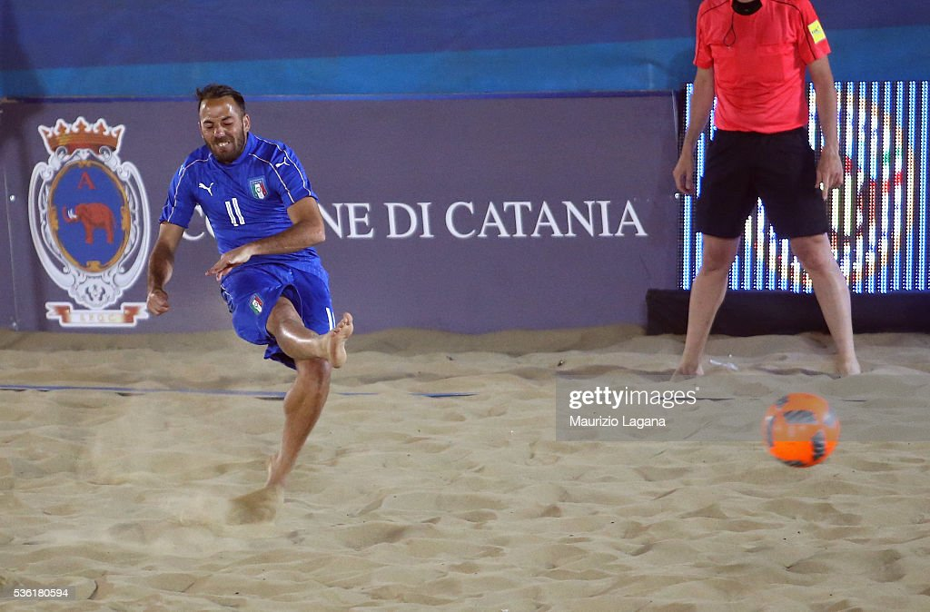 Paolo Palmacci of Italy scores his team's second goal during the beach soccer international frienldy between Italy and Iran on May 31, 2016 in Catania, Italy.