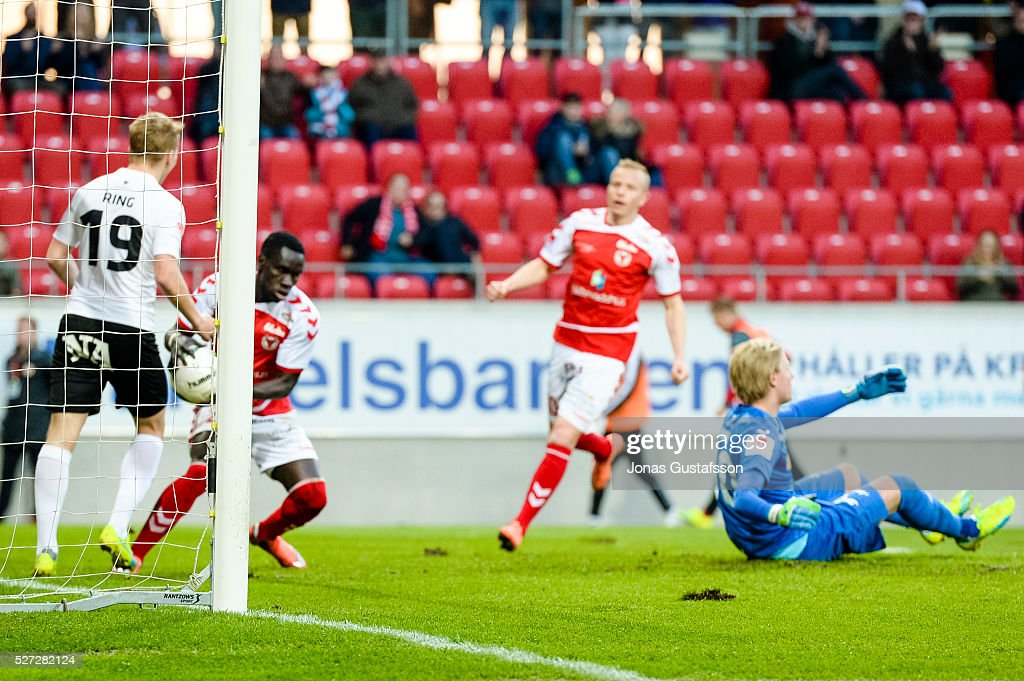 Papa Alioune Diouf of Kalmar FF celebrates after scoring 2-2 during the Allsvenskan match between Kalmar FF and Orebro SK at Guldfageln Arena on May 2, 2016 in Kalmar, Sweden.