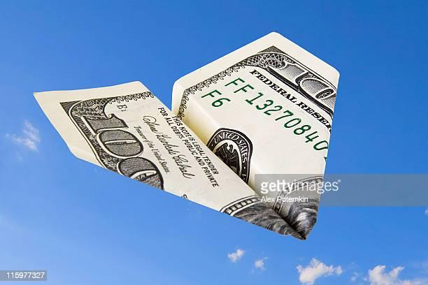 Papier airplain de 100 dollars banknote