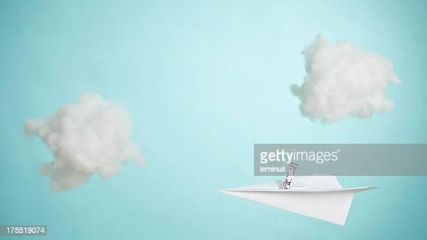 Papierflugzeug-sky
