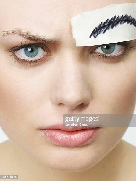Paper eyebrow
