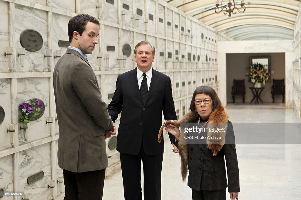 'Paper Soldiers' Pictured (L-R): Peter Cambor (Operational Psychologist Nate Getz), David Bickford and Linda Hunt (Henrietta 'Hetty' Lange) on