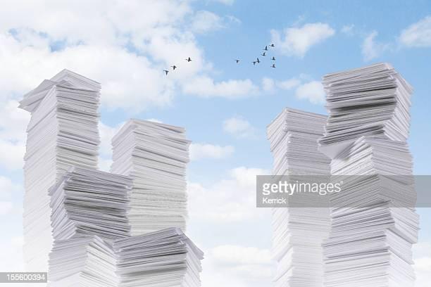 Paperland-viel Papier-Gebirge
