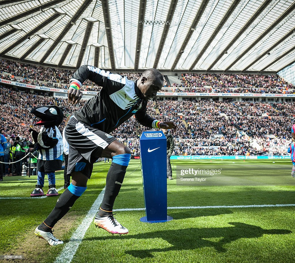 <a gi-track='captionPersonalityLinkClicked' href=/galleries/search?phrase=Papiss+Cisse&family=editorial&specificpeople=4251917 ng-click='$event.stopPropagation()'>Papiss Cisse</a> of Newcastle jumps over the line during the Barclays Premier League match between Newcastle United and Crystal Palace at St.James' Park on April 30, 2016, in Newcastle upon Tyne, England.