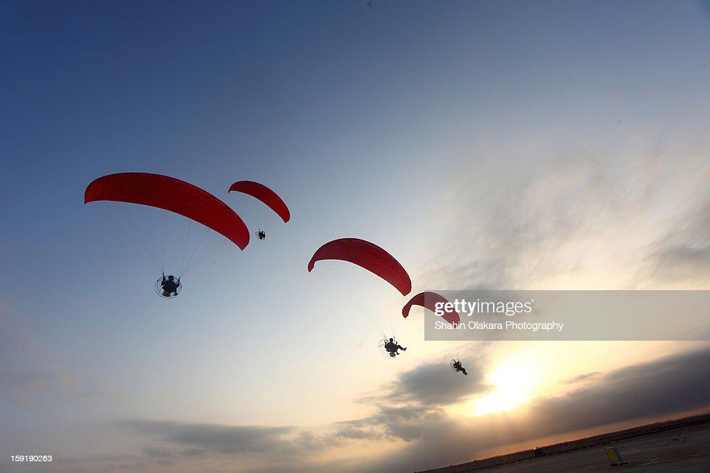 Para gliders on flight
