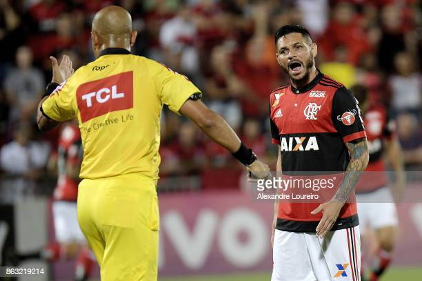 Para of Flamengo talks with the referee Marcelo Aparecido Ribeiro de Souza during the match between Flamengo and Bahia as part of Brasileirao Series...