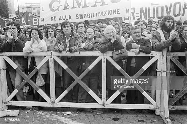 Parade Of May 1St In Rome A Rome le 1er mai 1978 Manifestation unitaire des syndicats lors de la fête du travail et contre le terrorisme qui sévit...