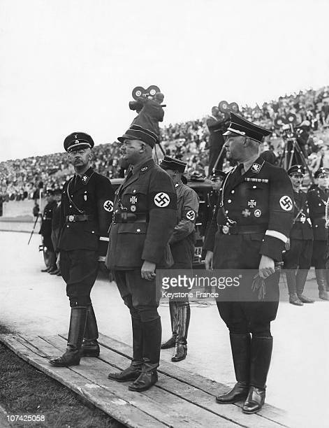Parade Of Nazis Militia Men In Front Of Himmler And Ernst Rohm At Berlin In Allemagne During Thirties