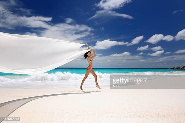 Paradise Beach, Belle femme danser (XXXL