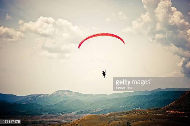 paragliding über dem rock
