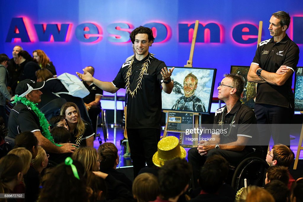 Paralympian Liam Malone speaks to school children during Paralympics New Zealand's '100 Days To Go' event at Te Papa Museum on May 30, 2016 in Wellington, New Zealand.