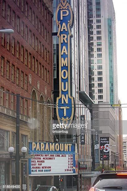 Maior Teatro Estação do centro da cidade de Seattle