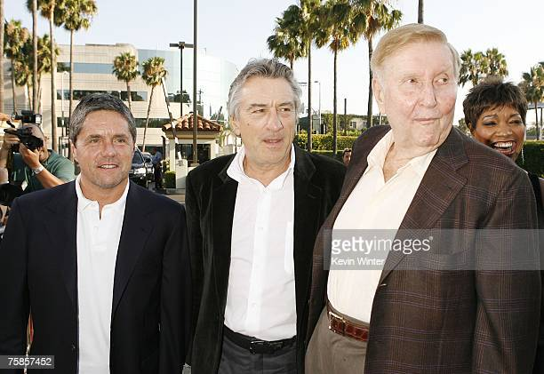 Paramount's Brad Grey actor Robert De Niro and Viacom's Sumner Redstone arrive at the premiere of Paramount Picture's 'Stardust' at the Paramount...