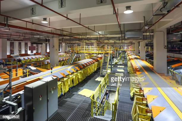 Parcel sorting through the production line