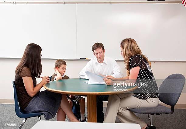 Padres, profesores, estudiantes de conferencias con necesidades especiales