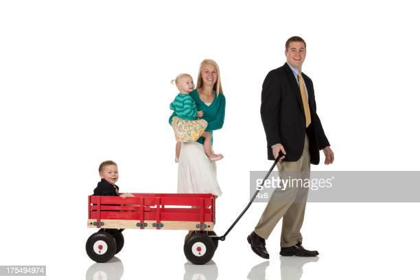Eltern mit ihren Kindern