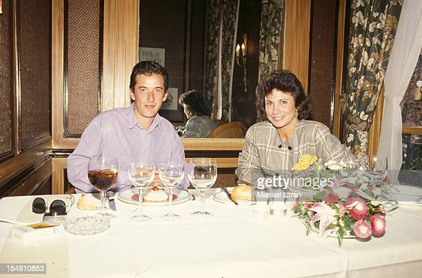 Paris 1 October 1989 Christopher and Anne SINCLAIR DECHAVANNE gave themselves appointment in a private room of 'Fouquet's' to prepare the emission...