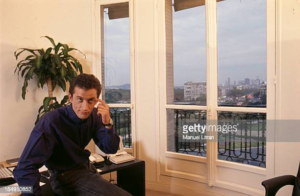Paris 1 October 1989 Christopher DECHAVANNE in his office He will present with the Anne SINCLAIR emission 'Our 80 years' on TF1
