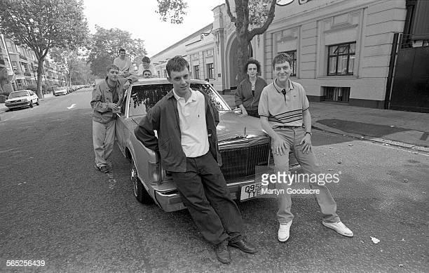Paris Angels group portrait outside Maida Vale studios in London United Kingdom 1991 Line up includes Paul 'Wags' Wagstaff Rikki Turner Steven Taji...
